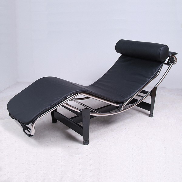 Le corbusier chaise lounge reproduction leather modern for Chaise lounge by le corbusier