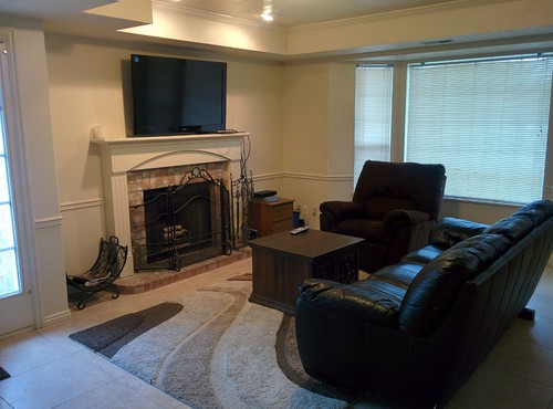 Tv placement with fireplace in living room for Tv position in living room