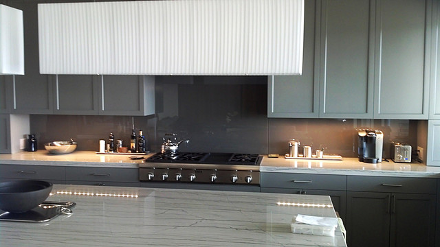 back panted glass backsplash contemporary kitchen