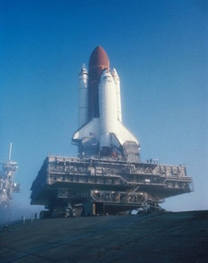 mobile space shuttle launcher wall mural contemporary wall murals space shuttle pixersize com