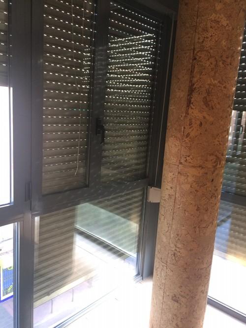 Que hacer con una columna frente a ventanal en sal n - Como decorar columnas ...