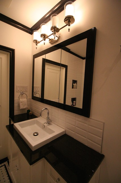 Black and white traditional bathroom remodel traditional for Houzz bathrooms traditional