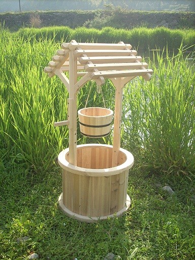 Garden wishing well planters patio planters traditional for Garden wishing well designs