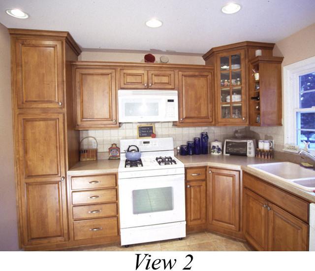Glass door corner cabinet sets it off : kitchen from www.houzz.com size 640 x 550 jpeg 100kB