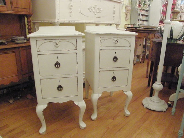 Antique nightstands in distressed white shabby chic for White wood nightstand