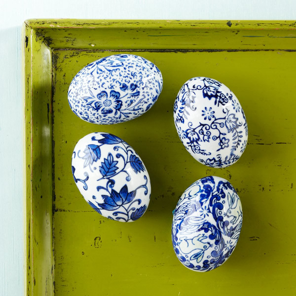 Blue and white porcelain eggs traditional holiday - Decoration blue and white ...