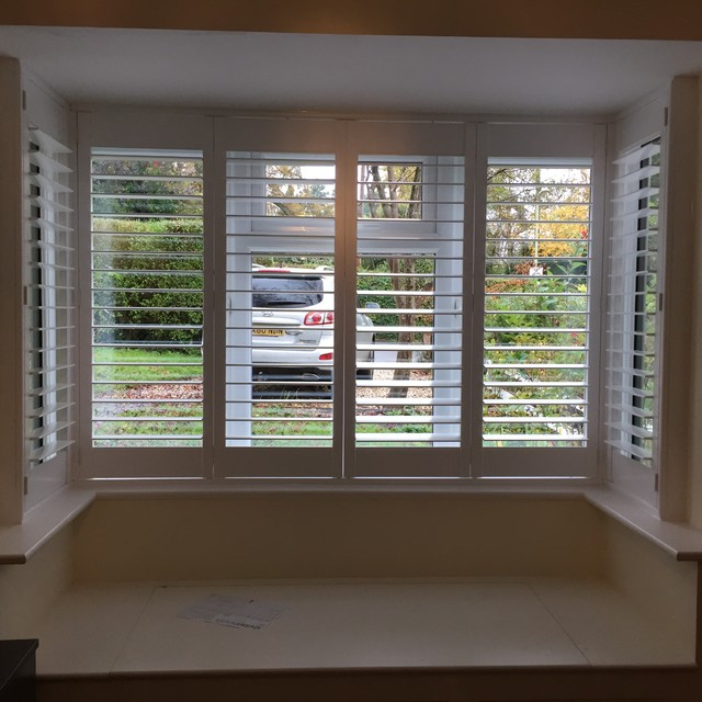 Square bay fitted in winchester for Discount bay windows