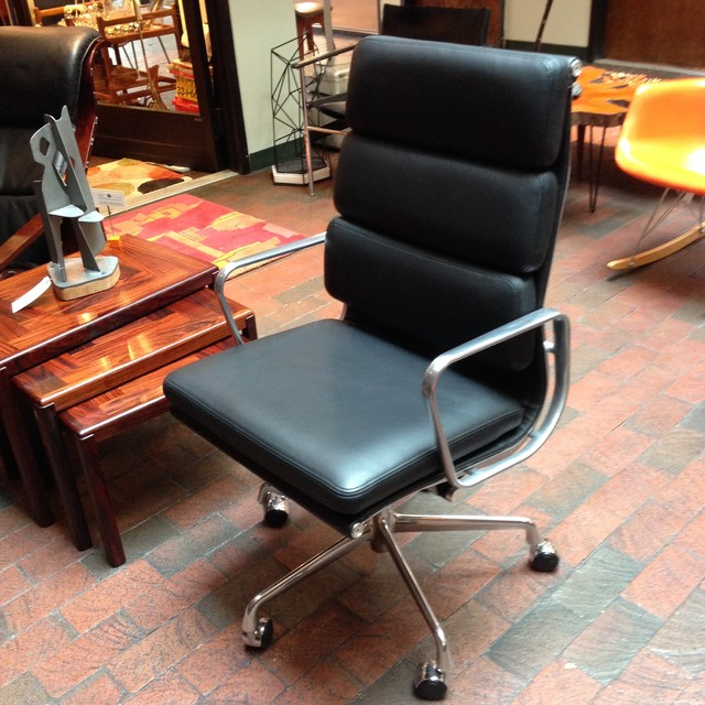 eames soft pad group management chair 3