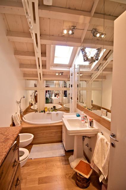 Recupero di sottotetto - Stanze da bagno moderne ...