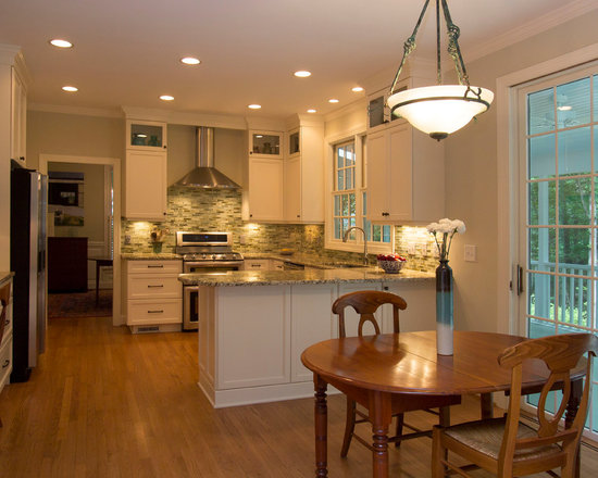 2 098 kitchen design photos with white cabinets and a peninsula