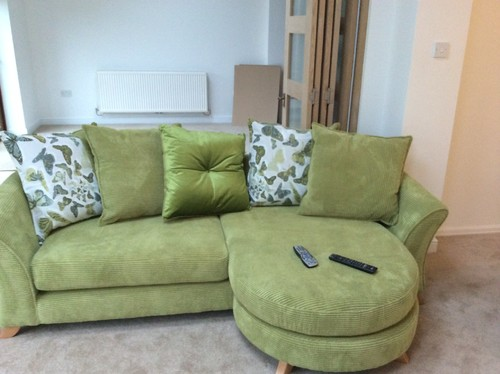 What colour carpet goes with lime green sofa carpet for Lime green sofa