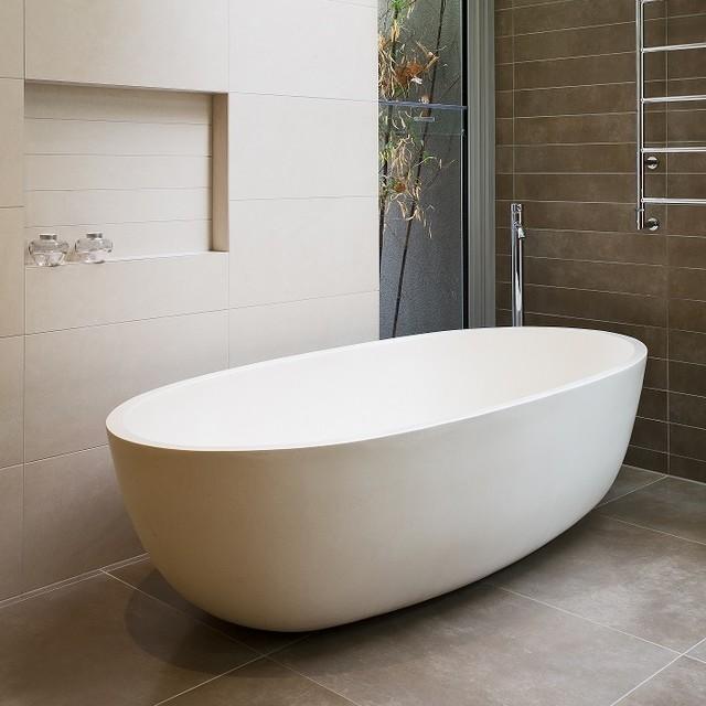 Apaiser seascapes bathtub contemporary bathroom for Seascape bathroom ideas