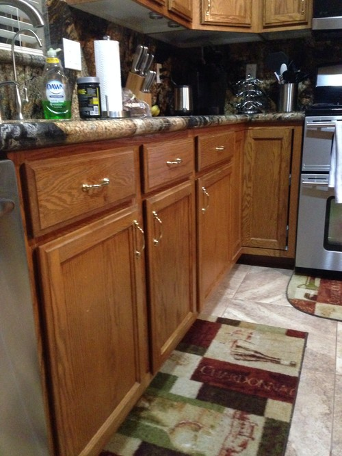 Refinishing kitchen cabinets for Cost to refurbish kitchen cabinets