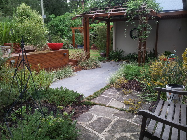 Killara garden arrival courtyard garden modern australian for Courtyard garden designs australia