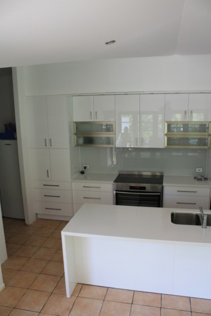 Complete Kitchen Walk In Pantry Gaven Gold Coast