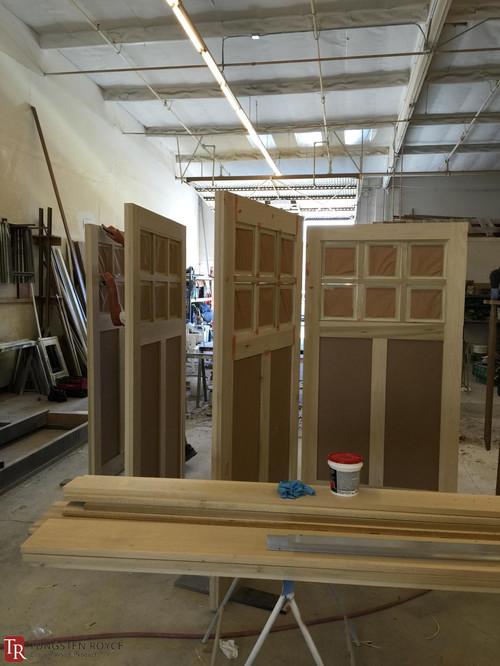 Sliding carriage garage door for Sliding carriage doors