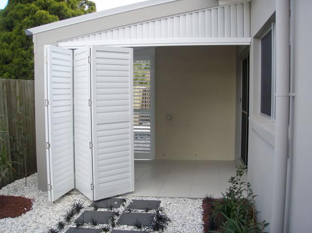 Exterior: Enclosed Deck, Patio Or Porch