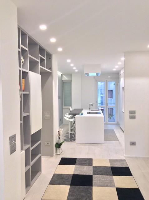 2 appartamenti in uno moderno other metro di bf for Bf arredamenti