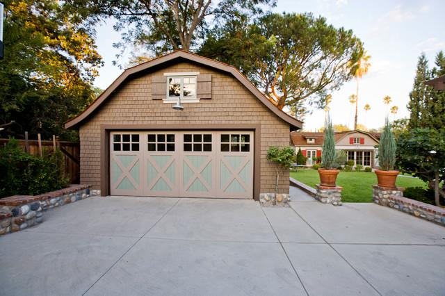 Barn Pool House In Pasadena