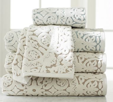 Sammie Tile Jacquard Bath Towel, Truffle - Traditional
