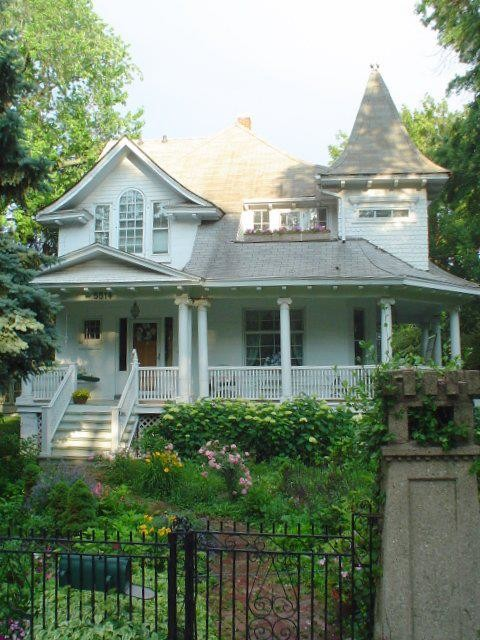 Chicago Queen Anne Victorian Roof Suggestions