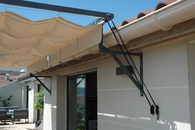 protection solaire par v lum r tractable d port compensant la faible hauteur contemporain. Black Bedroom Furniture Sets. Home Design Ideas