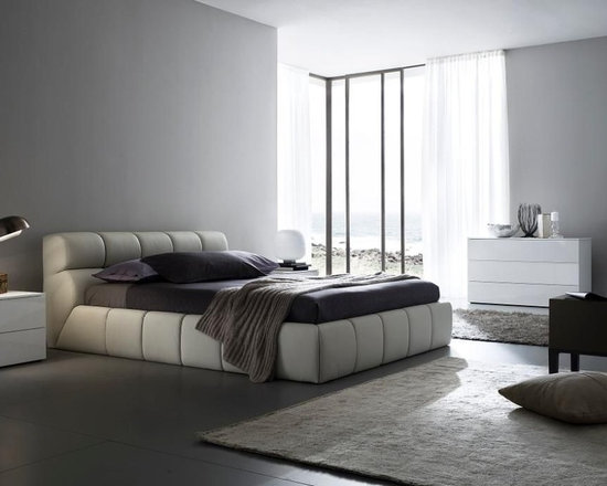 Made In Italy Leather Designer Master Bedroom Furniture Cloud Modern Bedroom Set In Beige Or