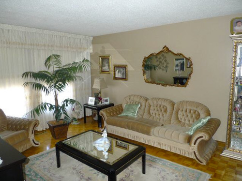 Best neutral for resale empty home for Best neutral paint colors for resale