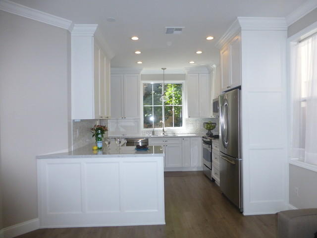 White And Bright Kitchen In Mountain View