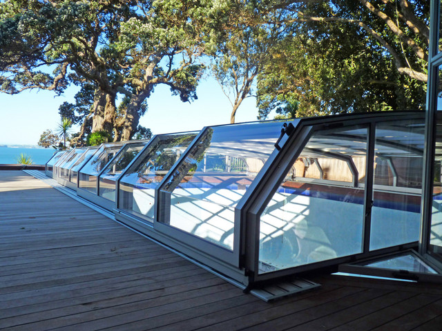 Retractable Patio Enclosures