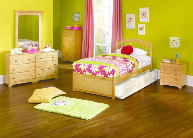 windsor flat panel footboard 5 pc natural maple bedroom