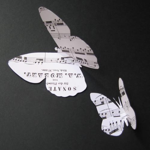 DIY : créer un joli cadre de papillons en musique