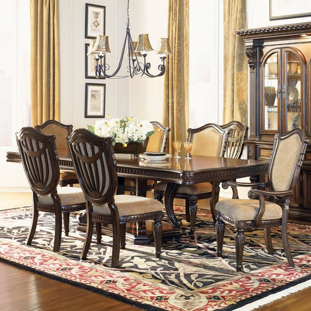 Fairmont Designs Grand Estates Dining Collection Traditional Dining Table