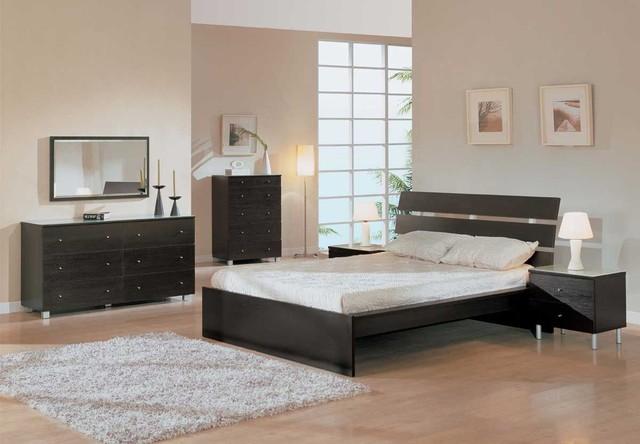 Elegant Wood Modern Master Bedroom Set With Extra Storage