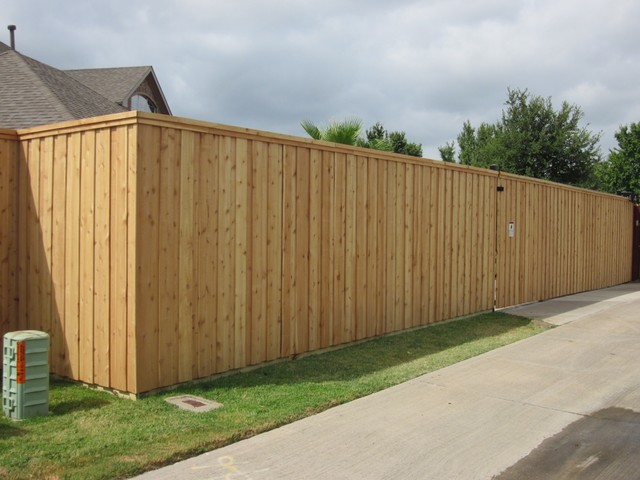Vertical Board Batten Fence Automatic Sliding Gate