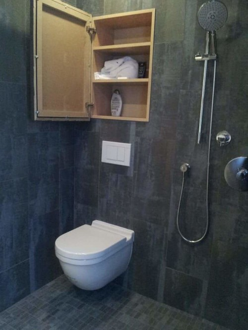 Small Outdated 6x8 Bath Makeover