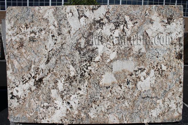 Feldspato cream granite slab polished contemporaneo for Materiali da costruzione della casa
