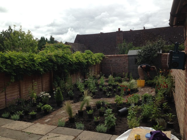 Small cottage style garden in headington oxford country for Oxford garden designs
