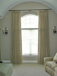 Arched top windows traditional window treatments for Window treatment for oval window