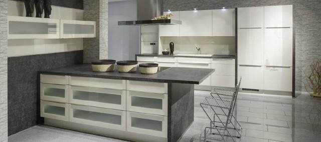 Contemporary Kitchen Lacquered High Gloss Airone Torchetti: Lacquer White High Gloss Modern Kitchen