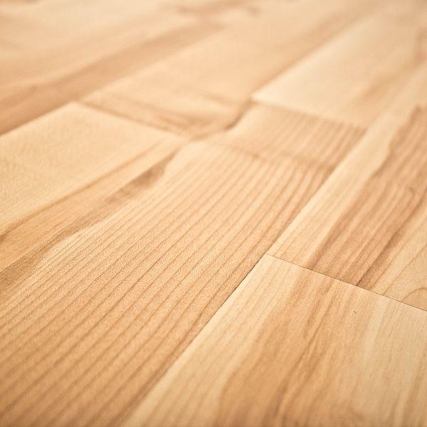 Quick step home sound blonde maple 7mm laminate flooring for Maple laminate flooring