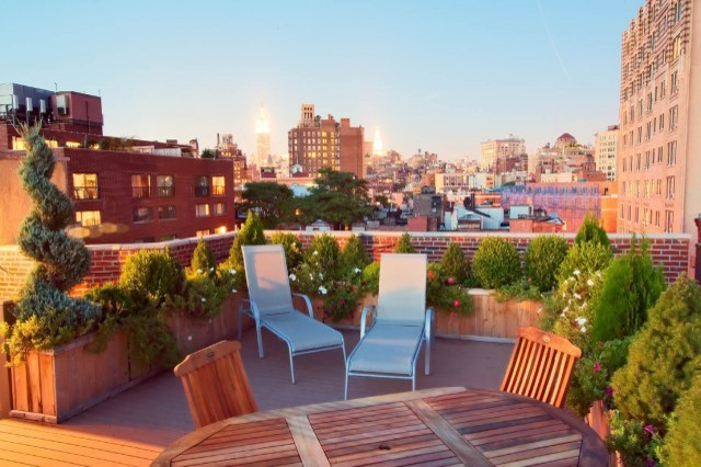 Manhattan roof garden: terrace composite deck, planter boxes ...