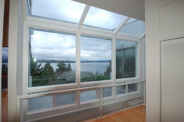 Bay window installation seattle wa craftsman entry for Bay window installation