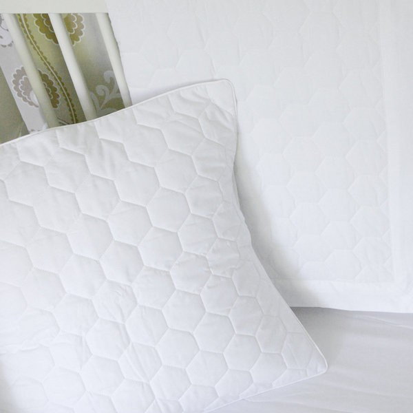 honeyami organic honeycomb quilt pillow moderne linge. Black Bedroom Furniture Sets. Home Design Ideas