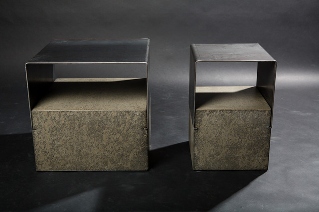 Bent steel and concrete end table contemporary side for Table exterieur design aluminium