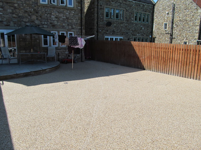 RESIN BOUND SURFACING RESIN DRIVEWAY AND PAVING FULWELL