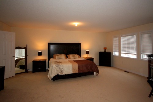 Looking for new master bedroom layout and decor ideas for Master bedroom arrangement ideas