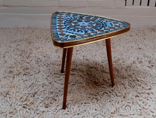 Mosaik beistelltisch von opal kleinm bel bauhaus look for Mosaik beistelltisch