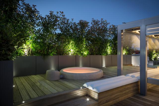 ... sur mesure en métal Thermolaqué moderne-terrasse-en-bois-et-balcon