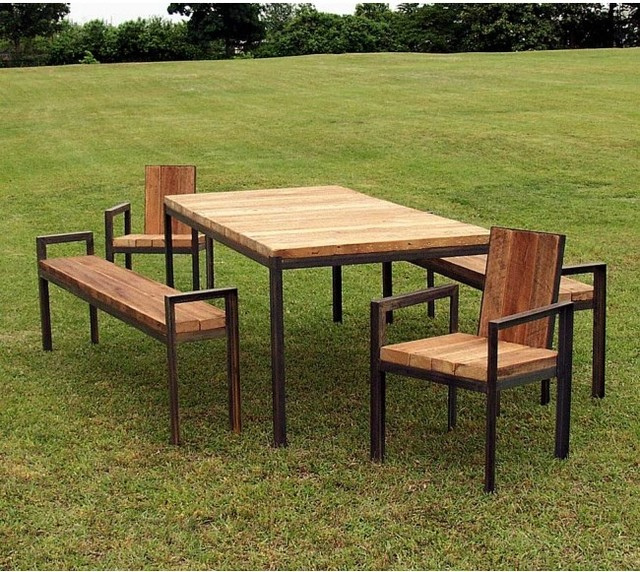 Reclaimed wood outdoor furniture gardenquest for Barnwood outdoor table